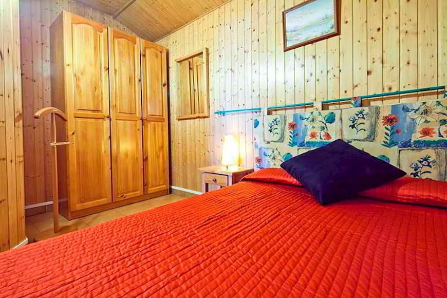 Residence Calgary - Slide 2