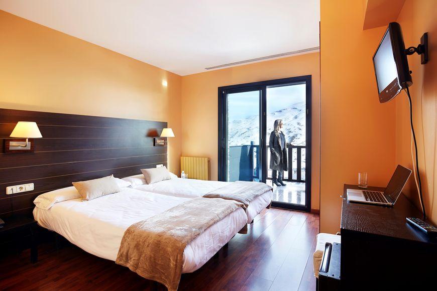 Hotel Caribou - Slide 2