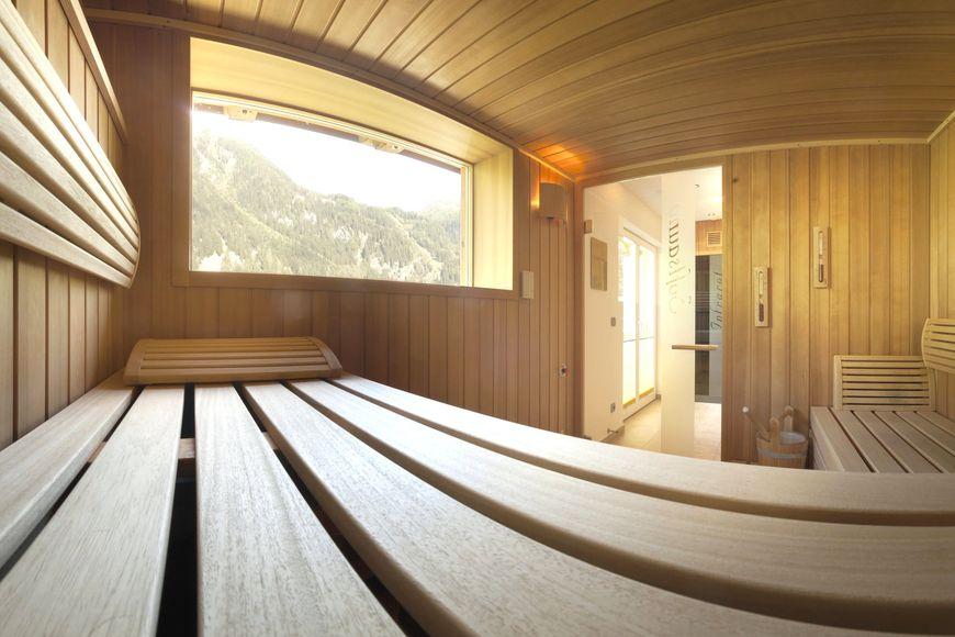 Slide3 - Alpenhotel Badmeister