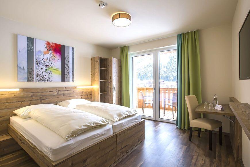 Slide2 - COOEE alpin Hotel Dachstein