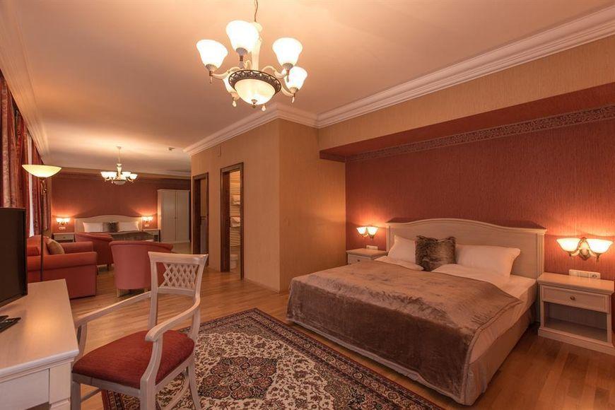 Slide2 - Hotel Kaiservilla