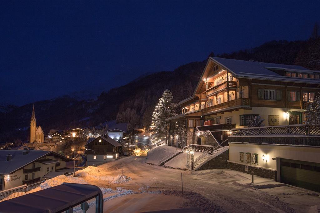 Hotel Kaiservilla - Slide 1