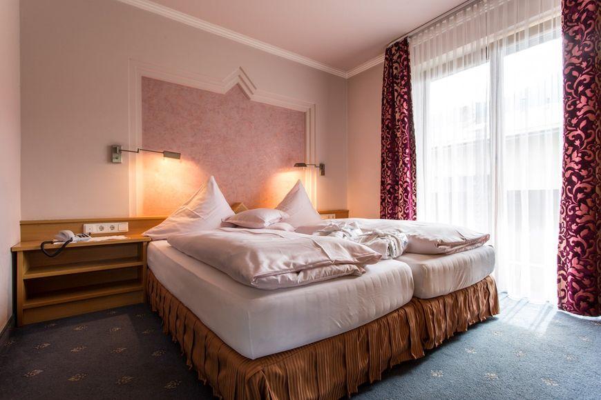 Slide2 - Hotel Solstein