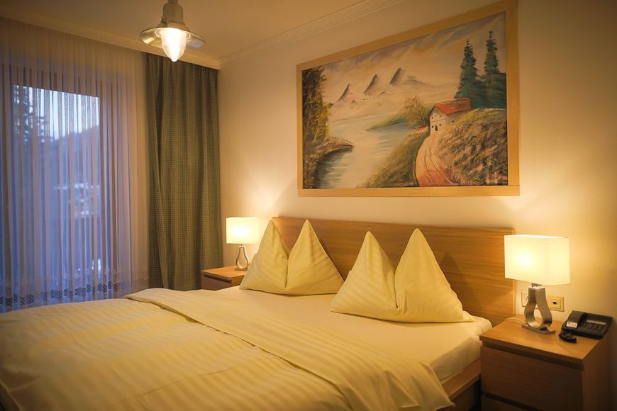 Slide2 - Hotel Haas