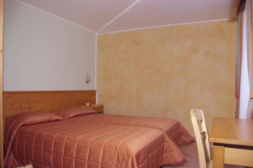 Hotel Eden - Apartment - Passo Tonale