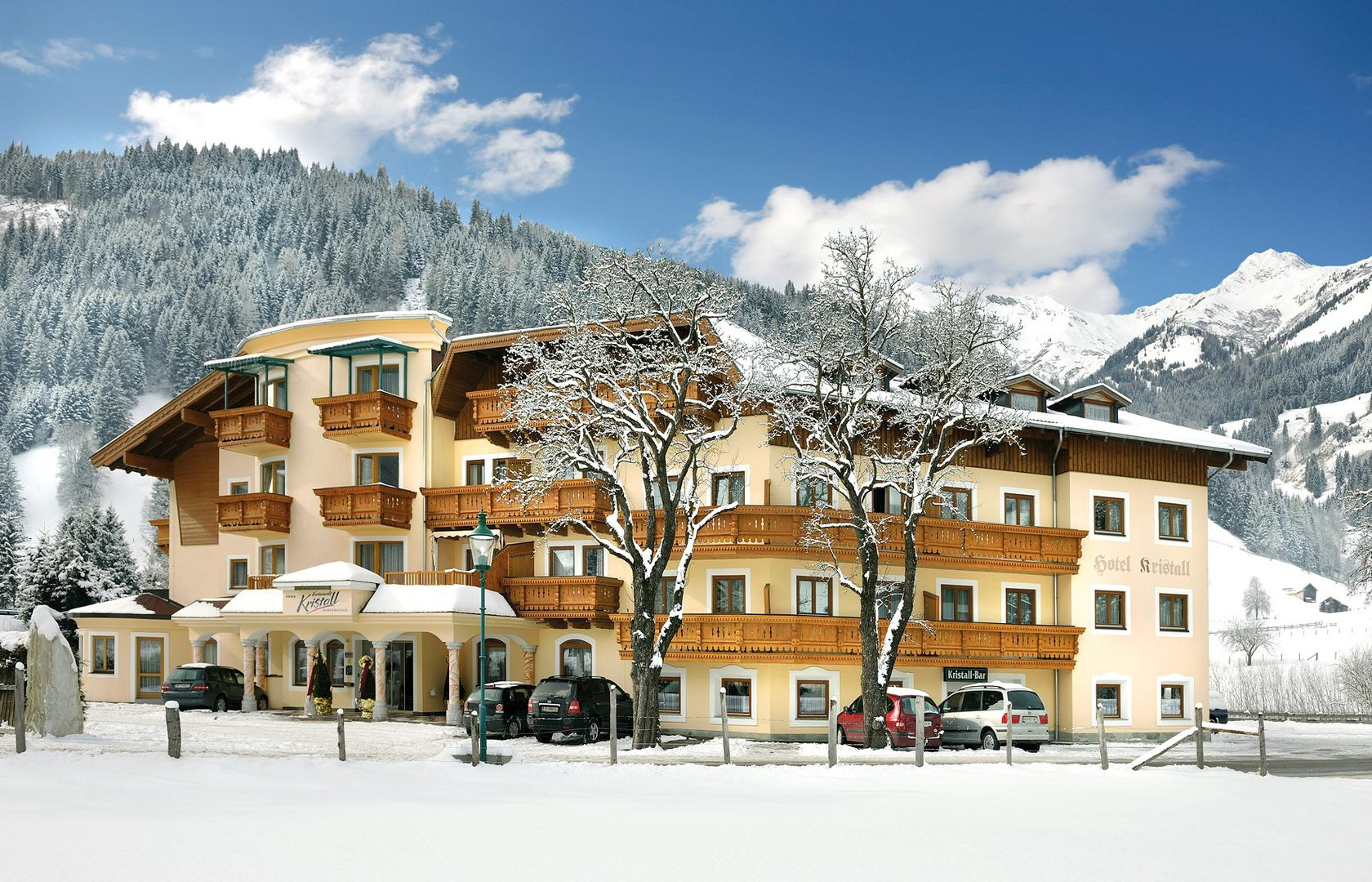 Hotel Ferienwelt Kristall - Slide 1