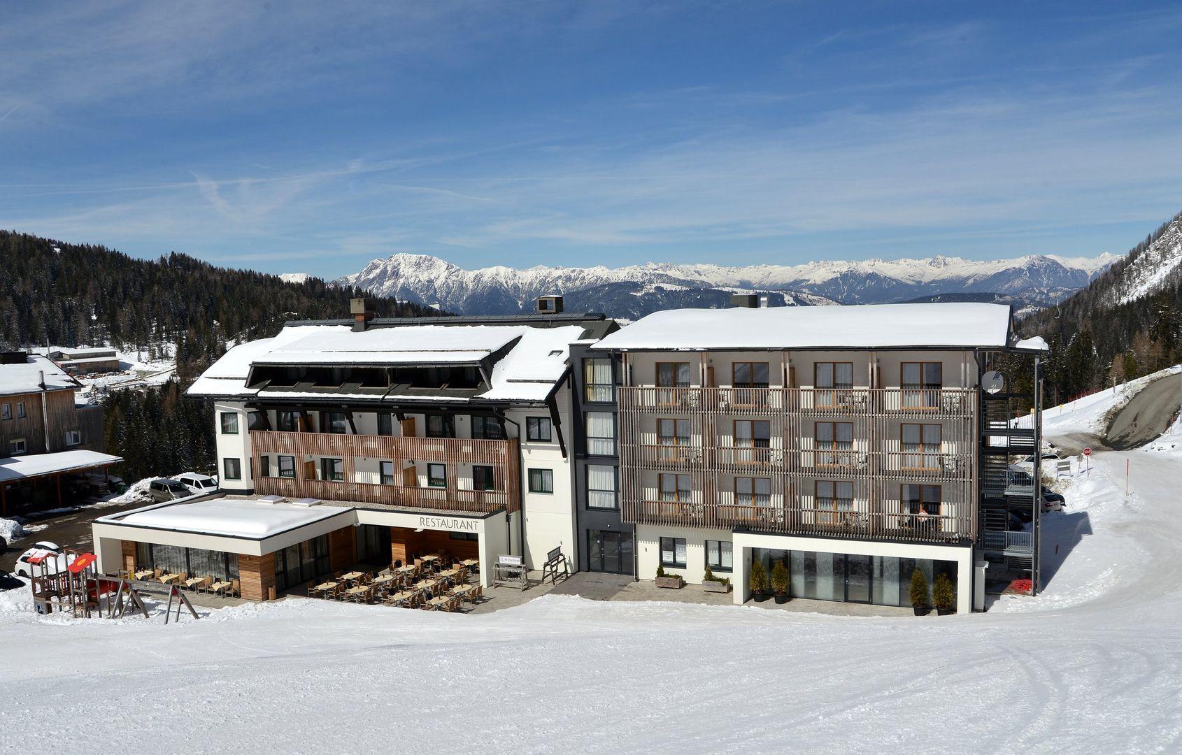 Slide1 - Alm Hotel Karnten