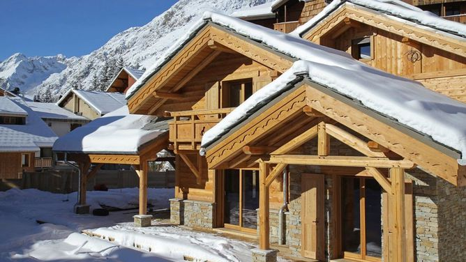 Chalet Le Loup Lodge