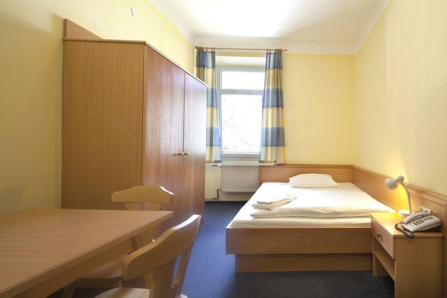 Slide2 - Hotel Euro Youth Krone