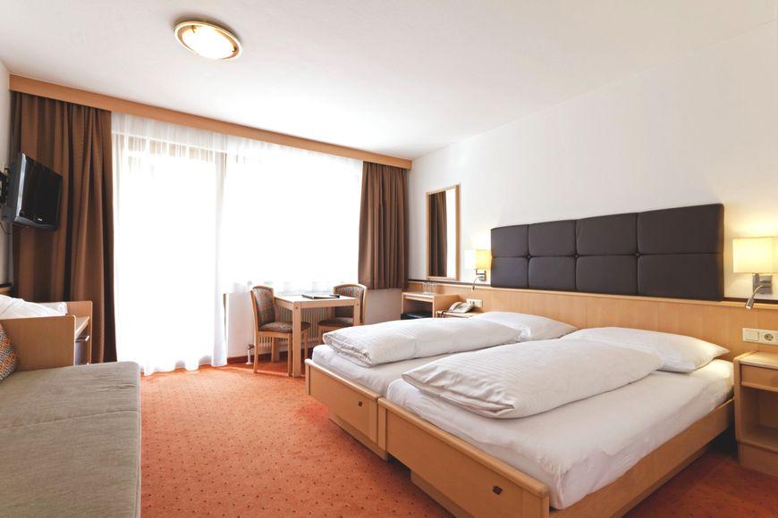 Hotel Romerhof - Slide 2