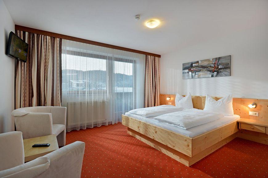 Slide2 - Club Hotel Edelweiss