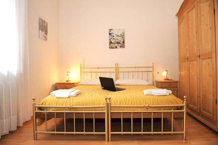 Doppelzimmer/2 Zustellb. Du/WC, HP