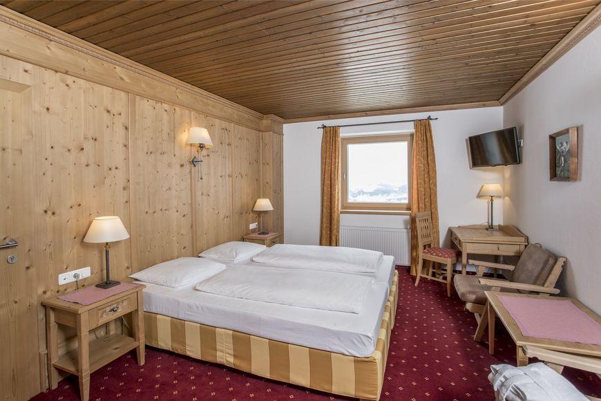 Slide2 - Berghotel Ehrenbachhohe