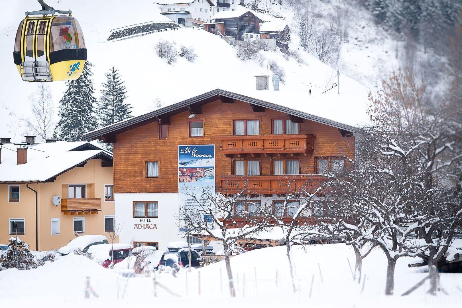 Slide1 - Natur.Hotels.See Hotel Ad Laca