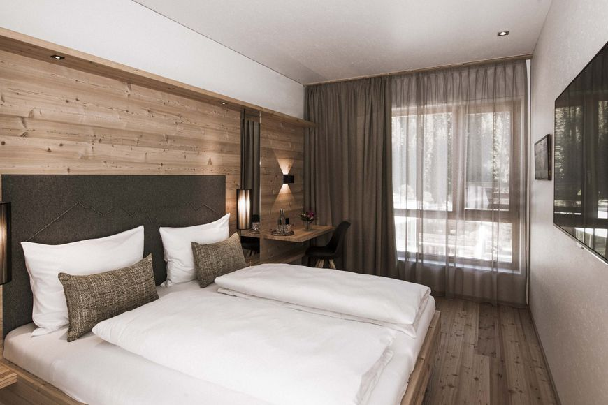 Tirol Lodge - Slide 2