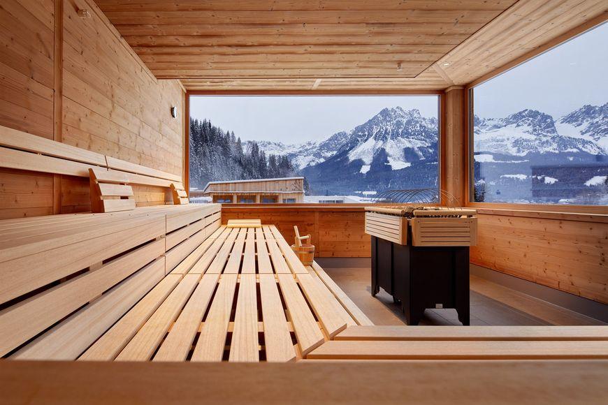 Tirol Lodge - Slide 3