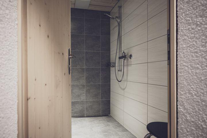 Mehrbettzimmer Du/WC auf Gang (auf Zuteilung), HP