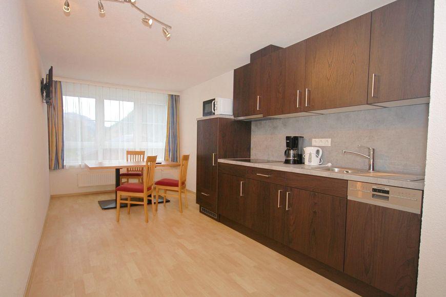 Apartment Ladner - Slide 4