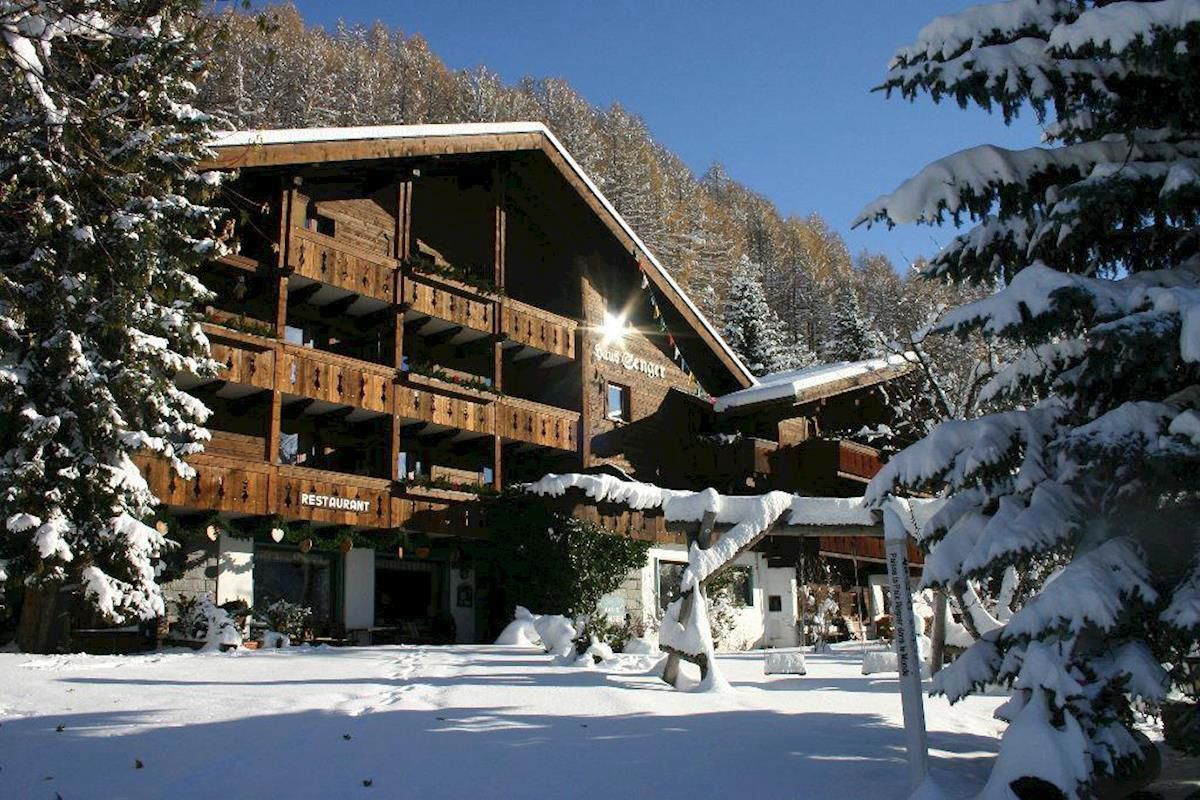 Slide1 - Chalet Hotel Senger