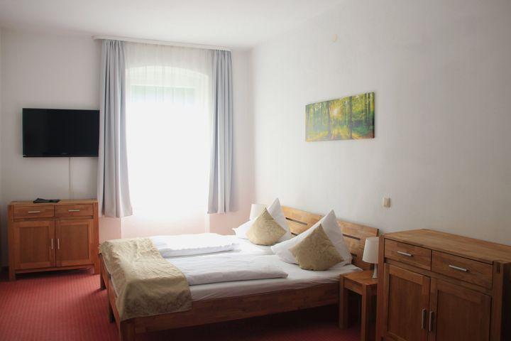Doppelzimmer Du/WC (Standard, ca. 18  m²), ÜF