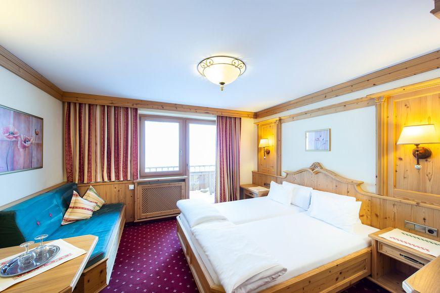 Slide2 - Alpenromantik Hotel Wirlerhof