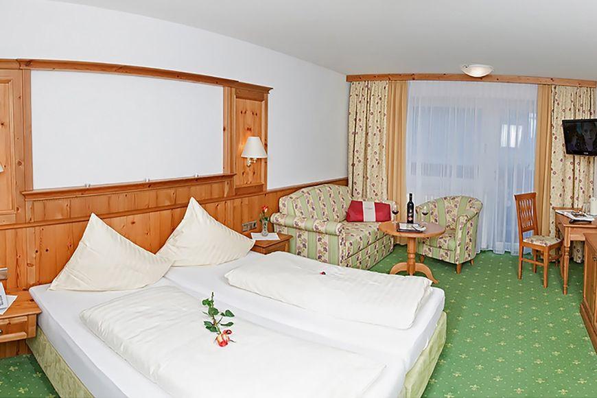 Hotel Almhof Lackner - Slide 2