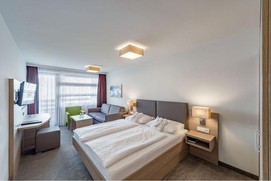 Slide2 - Hotel Lohmann
