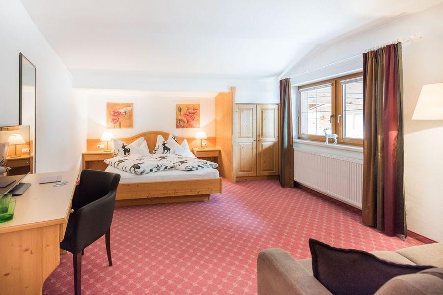 Slide2 - Hotel Kertess