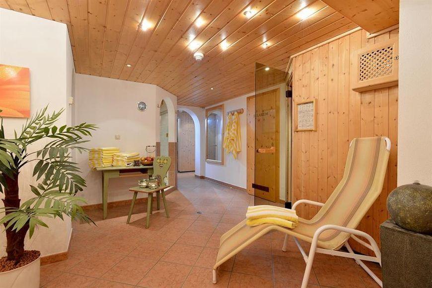 Slide3 - Hotel Garni Theresia