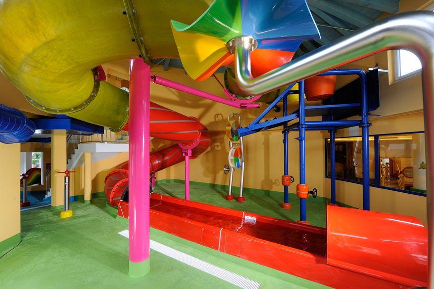 Alpenpark Resort - Slide 4