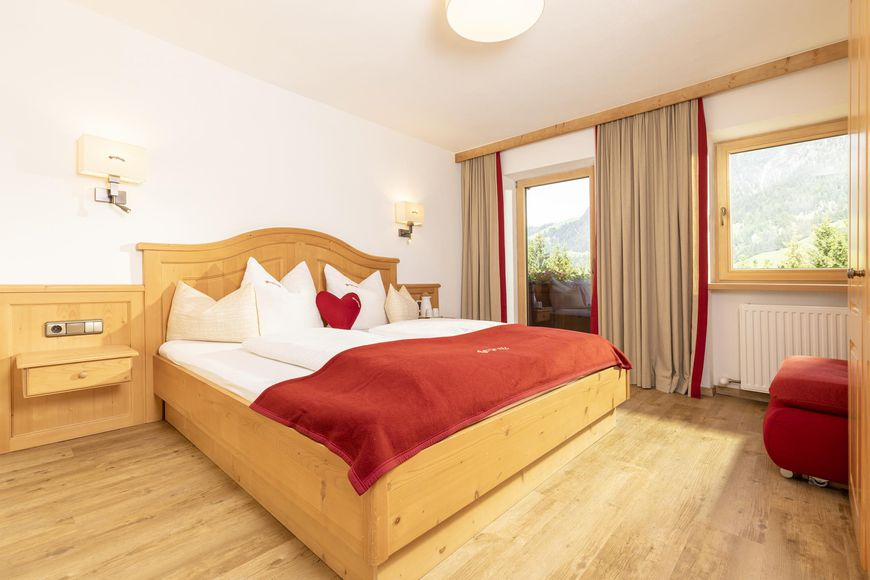 Slide2 - Alpbach Bergwald Apartments