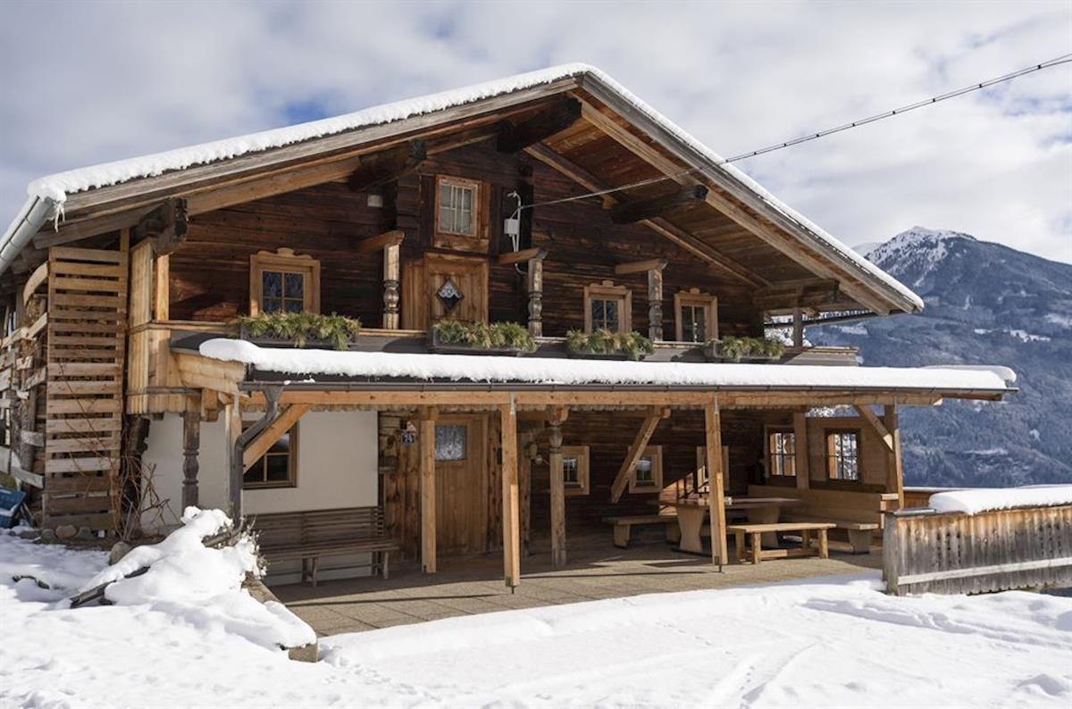 Slide1 - Bauernhaus & Zirbenhausl Korum