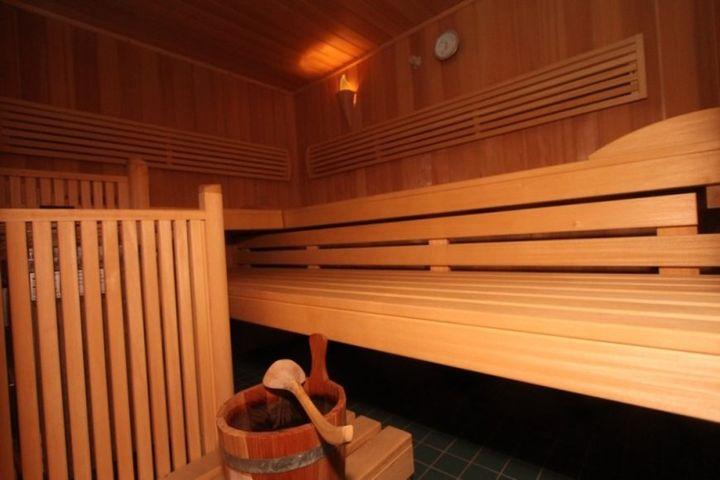 Doppelzimmer/2 Zustellb. Du/WC (max. 2 Erw. + 2 Kinder), HP