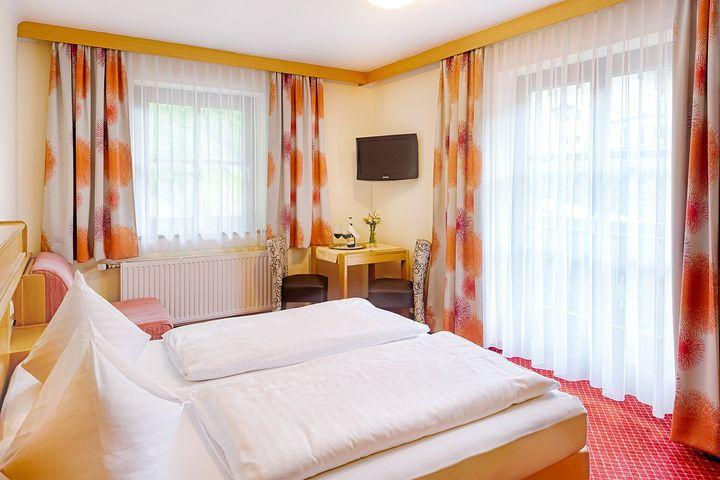 Doppelzimmer Du/WC (18 - 25 m²), HP