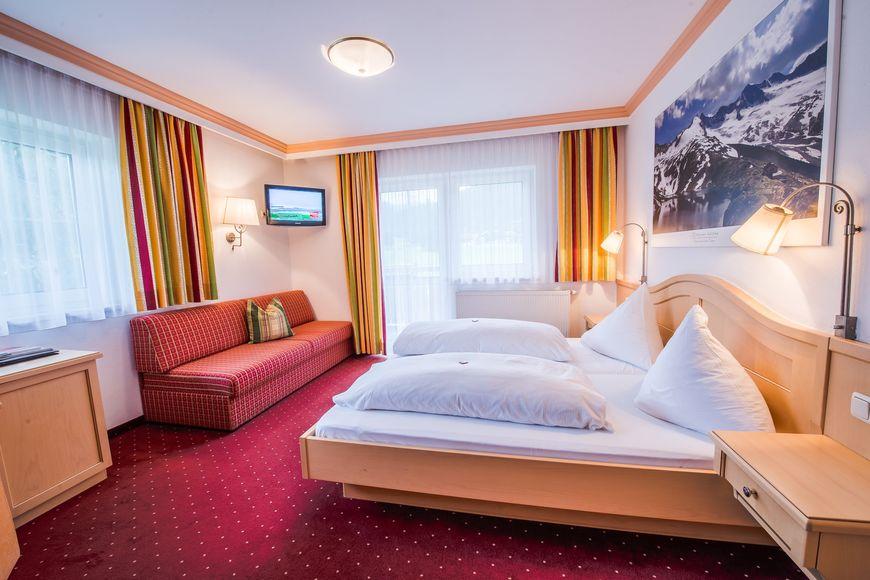 Slide2 - Family Hotel Grundlhof