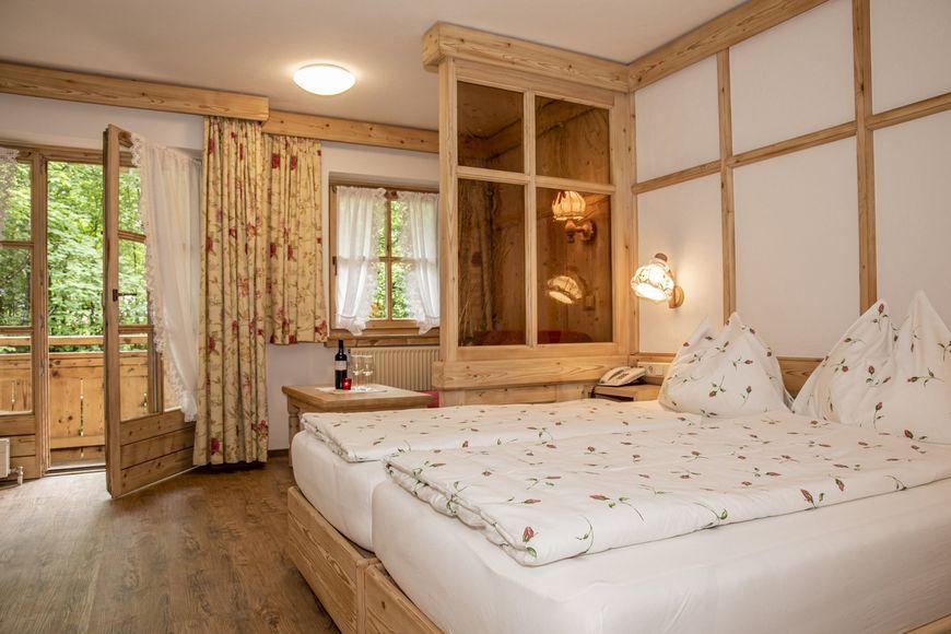 Slide2 - Hotel-Gasthof Zur Muhle