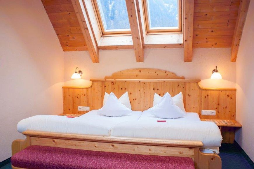 Slide2 - Hotel Garni Alpenhof