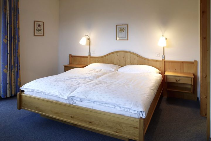 Doppelzimmer/Zustellb. Du/WC, HP