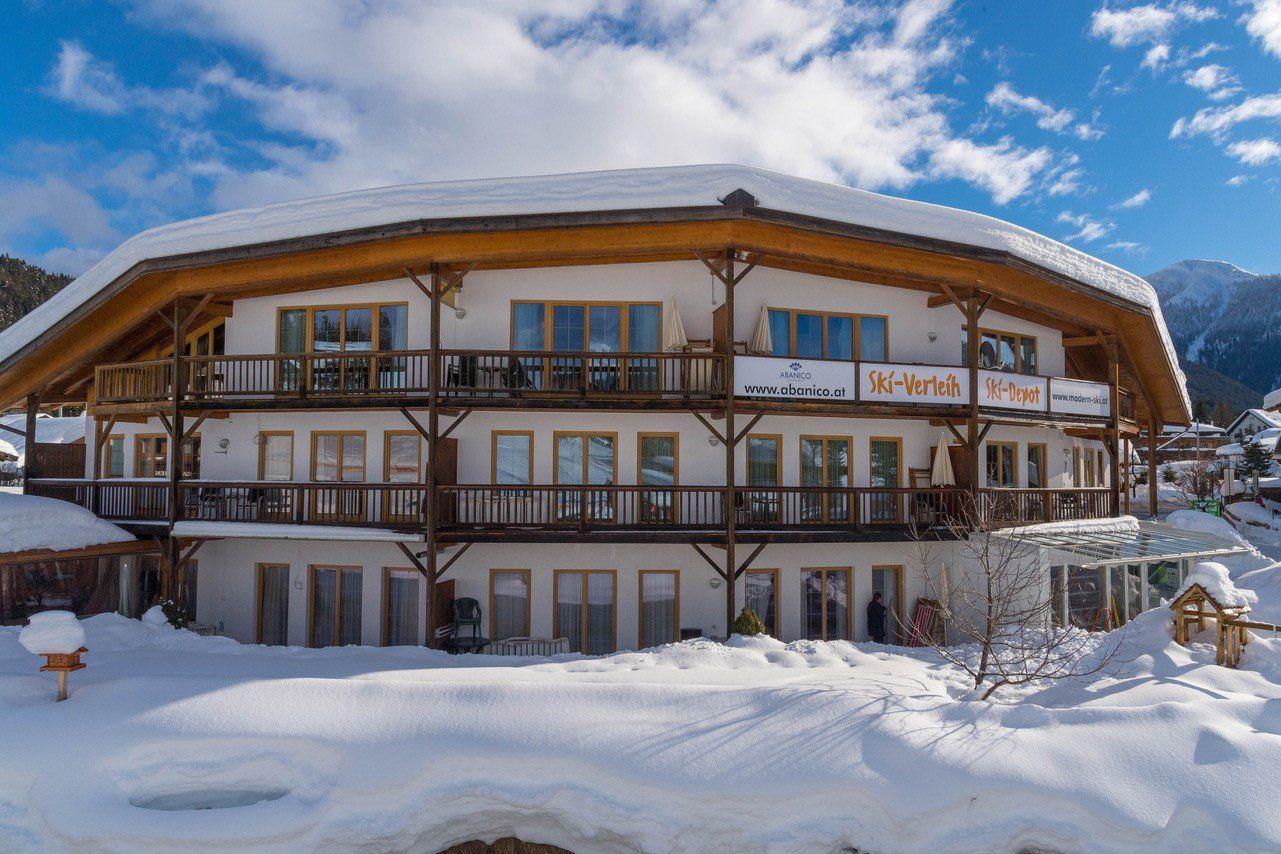 Modern Ski & Haus Aban...