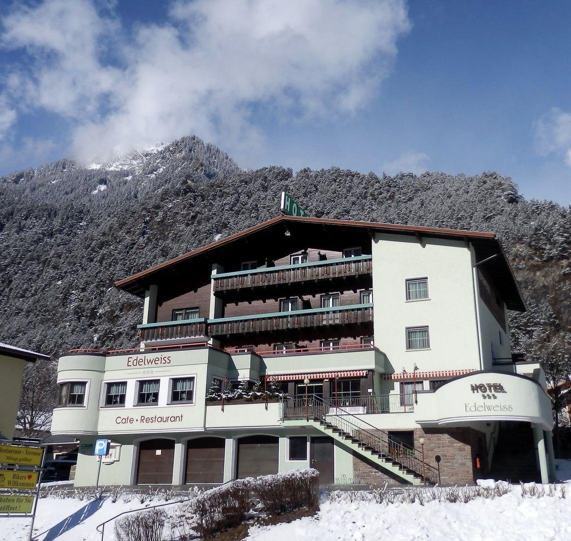 Hotel Edelweiss - Slide 1