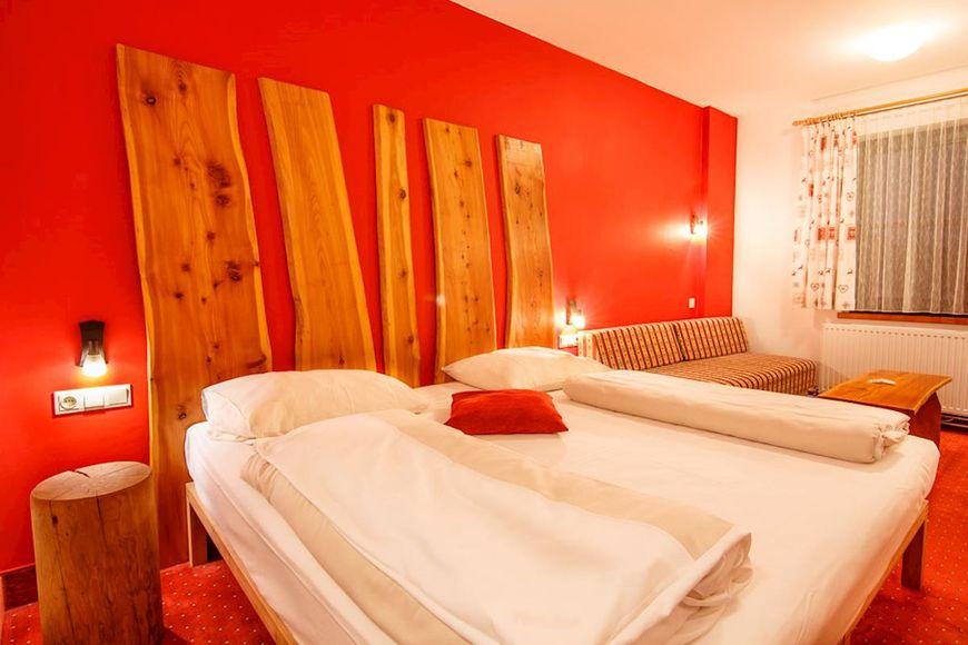 Slide2 - Alpenhotel Marcius
