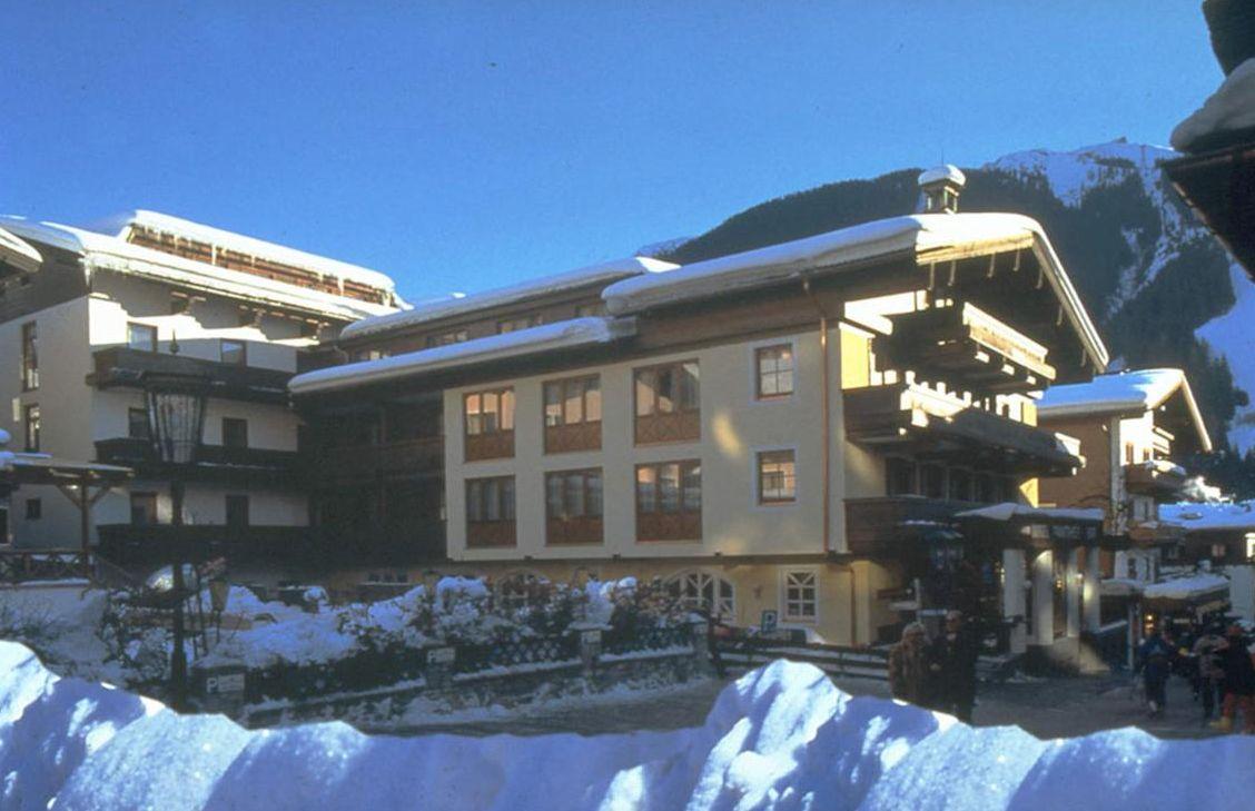 Hotel Panther - Slide 1