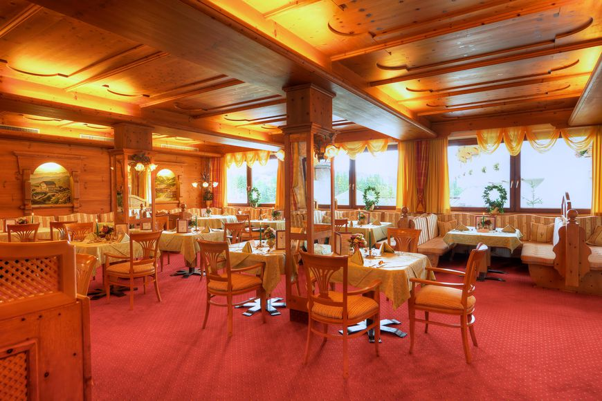 Slide4 - Hotel Sonneck