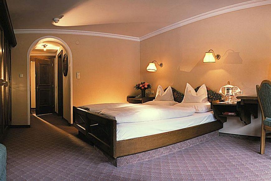 Slide2 - Hotel Arlberg