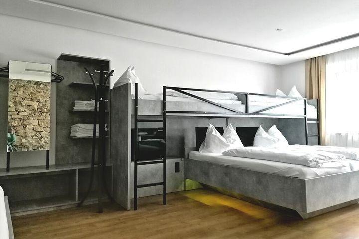 Doppelzimmer Du/WC, ÜF