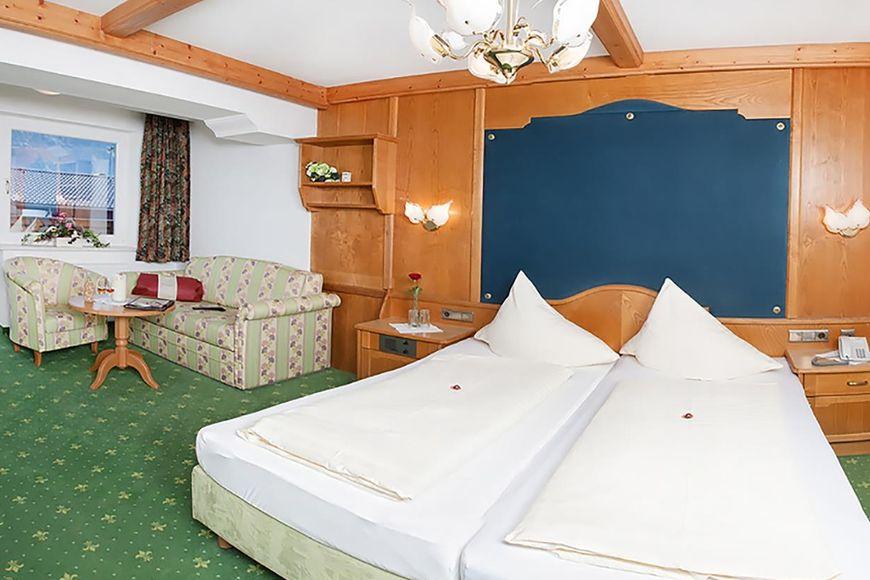 Slide2 - Hotel Almhof Lackner