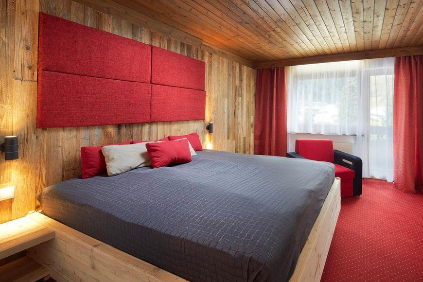 Slide2 - Hotel Pinzger Stubn