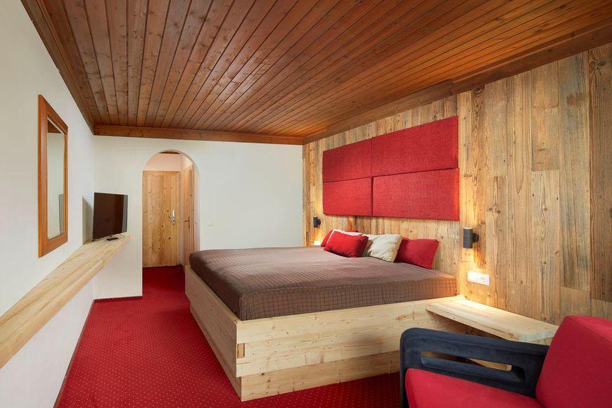 Slide4 - Hotel Pinzger Stubn