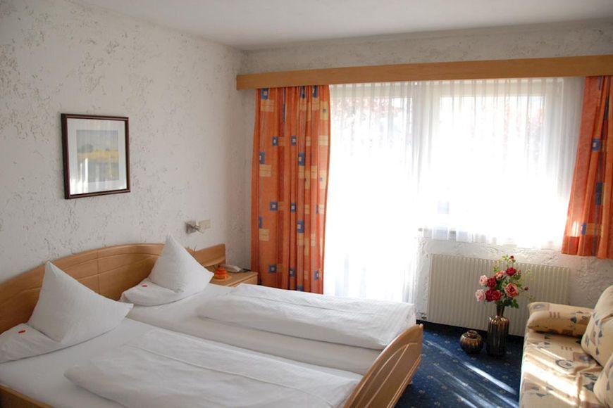 Slide2 - Hotel Edelweiss