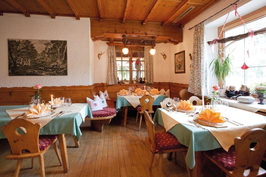 Slide4 - Hotel Tramser Hof